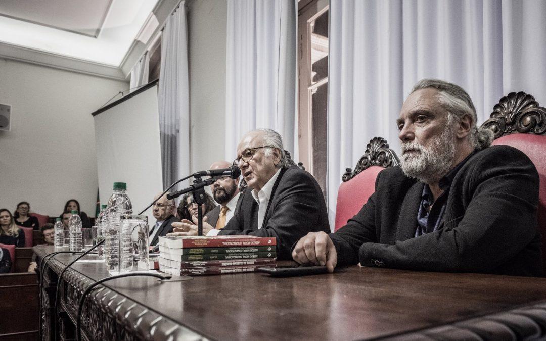 """Boaventura de Sousa Santos: """"o capitalismo regula a democracia"""""""