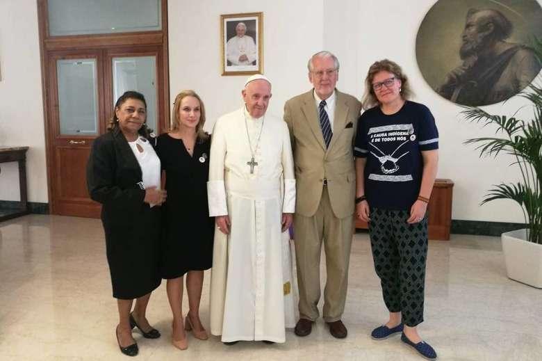 Papa recebe mãe de Marielle e defensores da liberdade de Lula