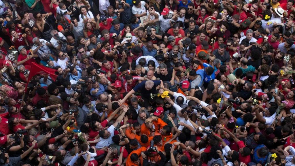 Decisão do TSE exige vigorosa campanha por Lula