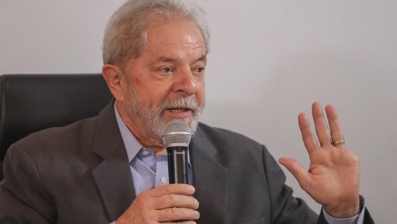 Deputados franceses pedem a Macron que interceda no caso Lula