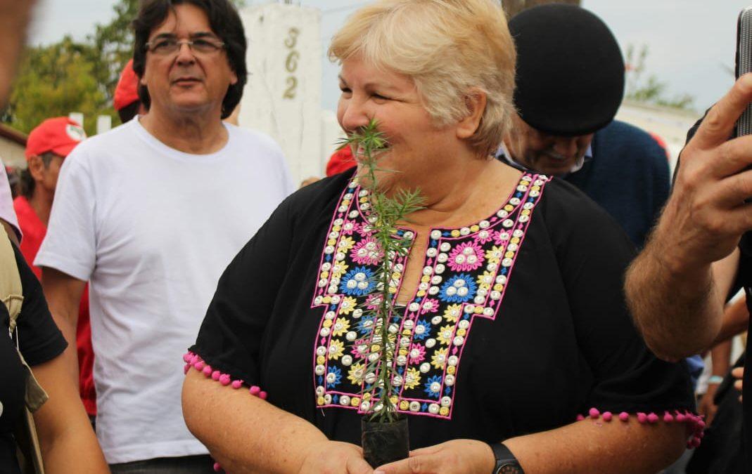 Filha de Che vai a Curitiba e manifesta solidariedade a Lula