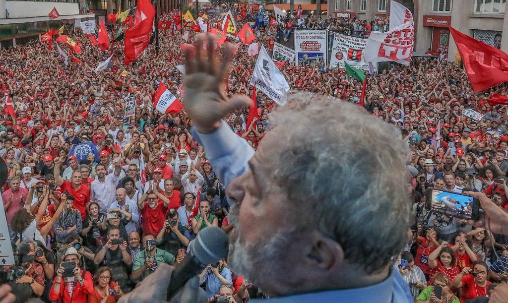 Fachin e Gilmar divergem sobre julgamento de HC de Lula sobre suspeição de Moro
