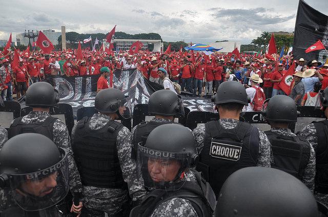 Ley que puede calificar a los movimientos como terroristas vuelve al debate en Brasil
