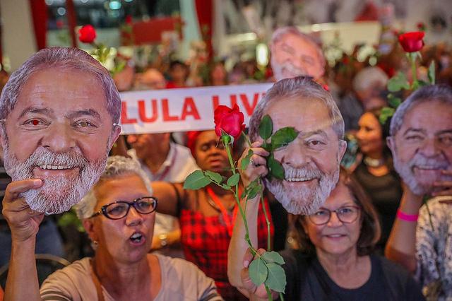 En el aniversario de la Declaración de los Derechos Humanos, piden justicia para Lula