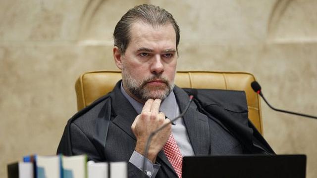 Guerra no STF: Toffoli atropela decisão de Marco Aurélio Mello e mantém Lula preso