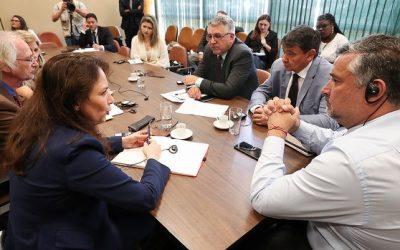 """""""É inconcebível que Lula esteja na prisão"""", critica deputada alemã"""