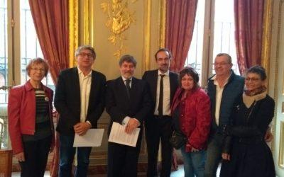 Comitê Lula Livre se encontra com embaixador do Brasil na França